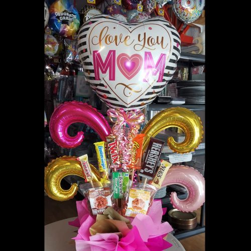 LOVE YOU MOM + DULCES