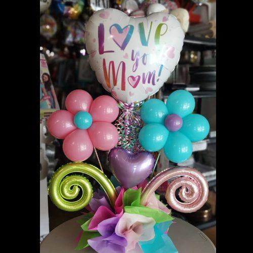 LOVE YOU MOM + FLORES